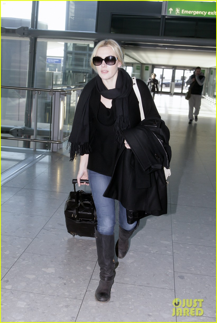 kate winslet heathrow airport 01
