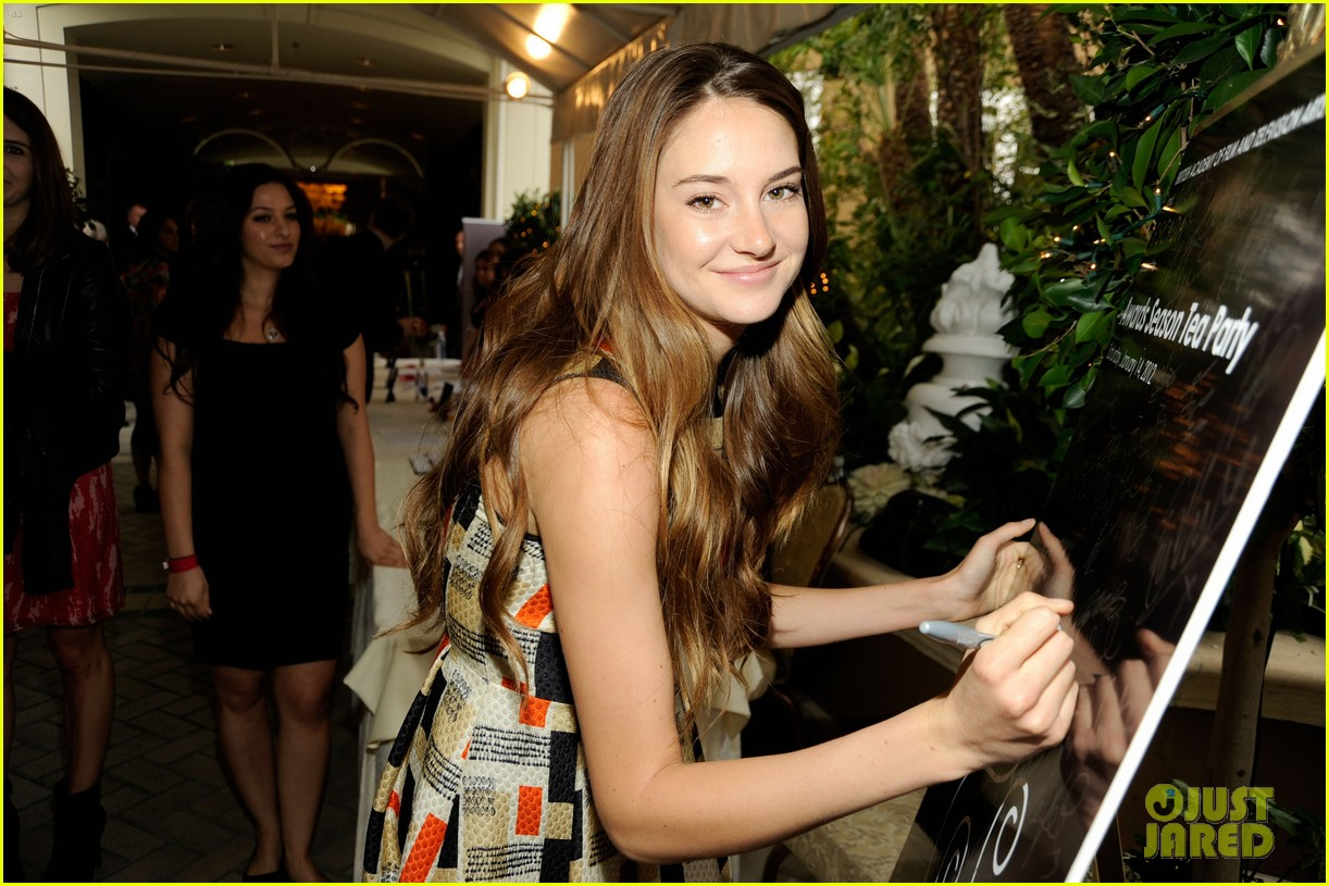 shailene woodley bafta tea film critics association awards 10