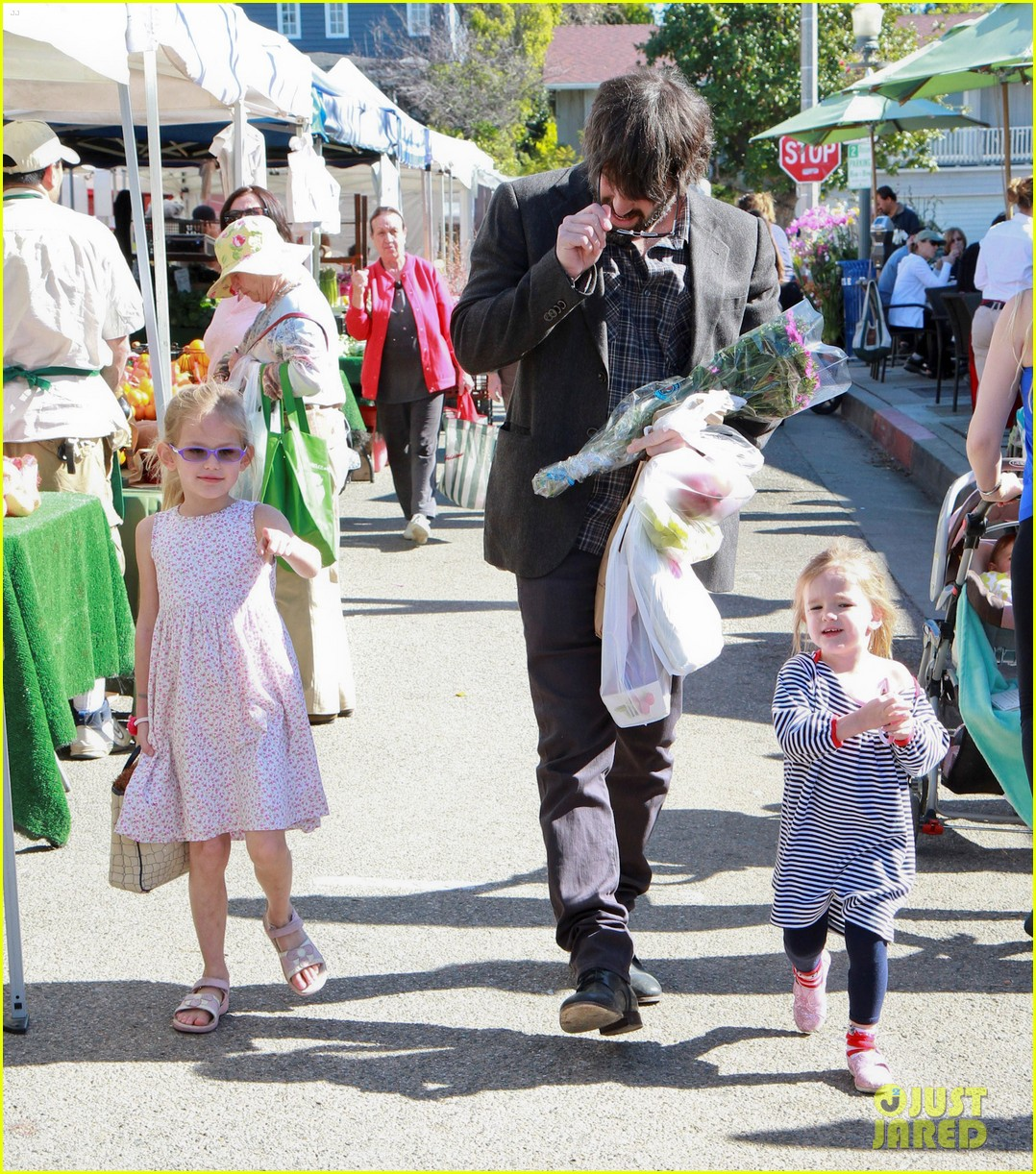 ben affleck daughters farmers market 15