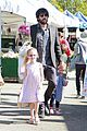 ben affleck daughters farmers market 17