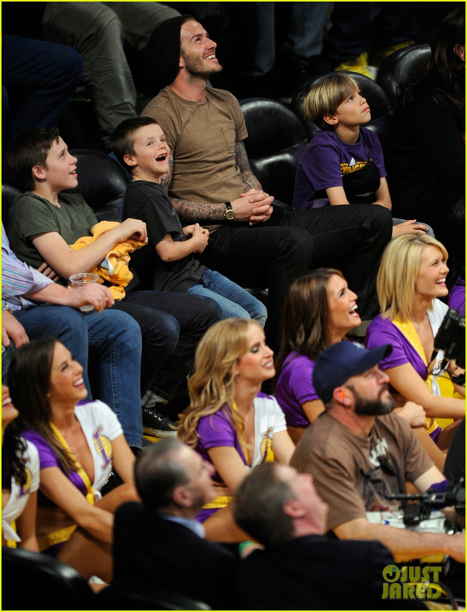 david beckham lakers game with the boys 07