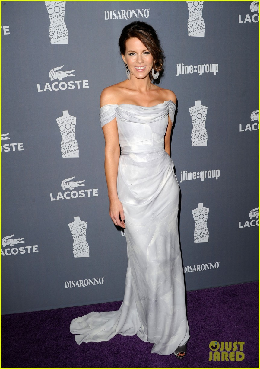 kate beckinsale costume designers guild awardss 03