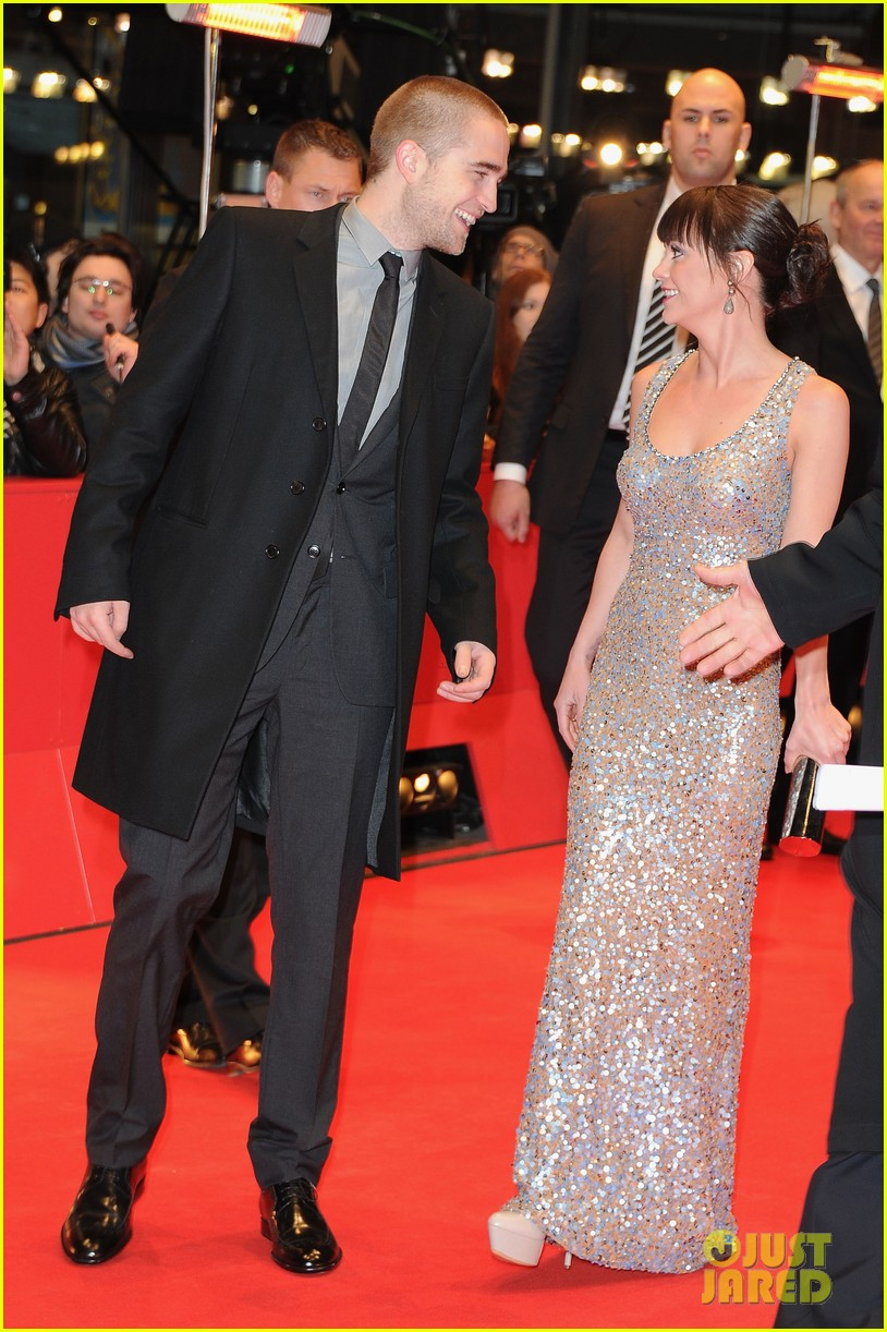 christina ricci robert pattinson bel ami berlin film fest premiere 05