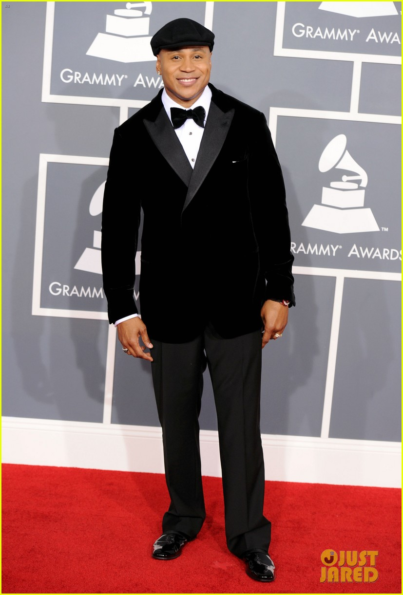 ll cool j grammys 2012 red carpet 01