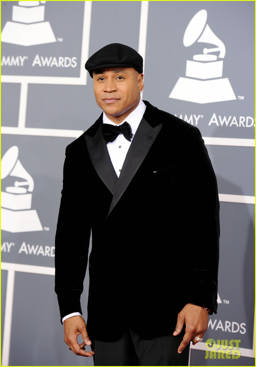 ll cool j grammys 2012 red carpet 03