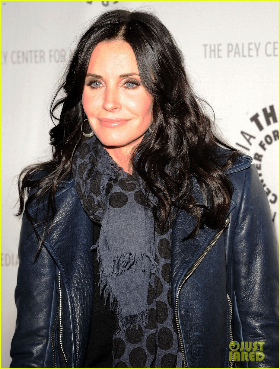 courteney cox cougar town viewing party 02