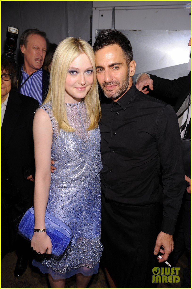 dakota fanning marc jacobs fashion show 012628812