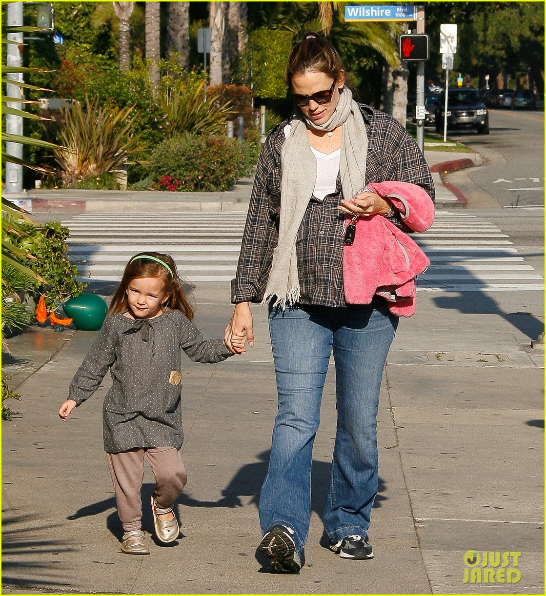 jennifer garner errands 09