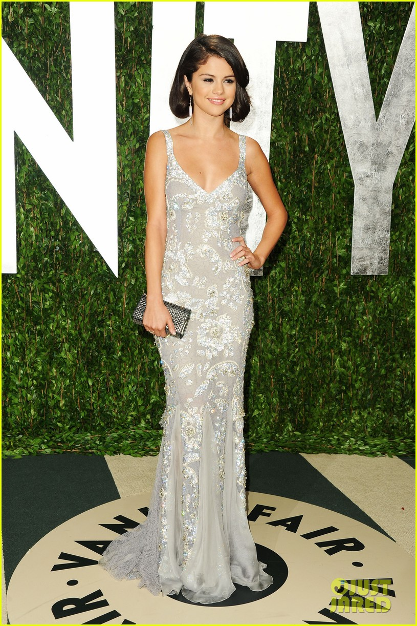 selena gomez shailene woodley vanity fair oscar party 032634093