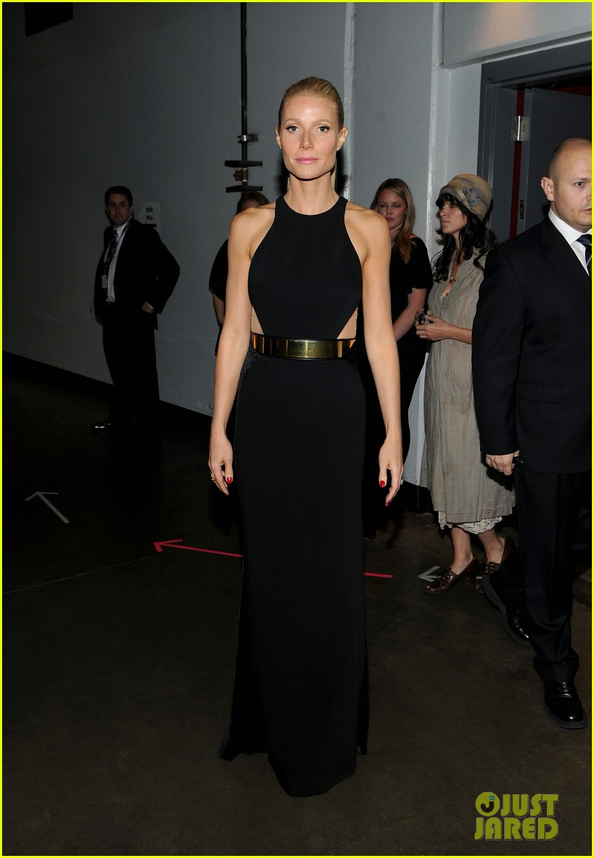 gwyneth paltrow grammy awards 2012 052628339