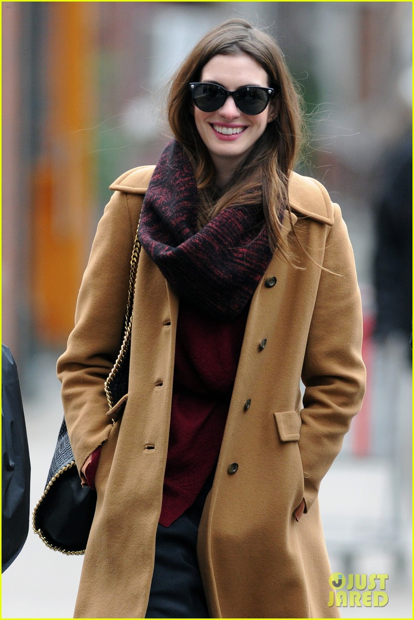 anne hathaway out 03