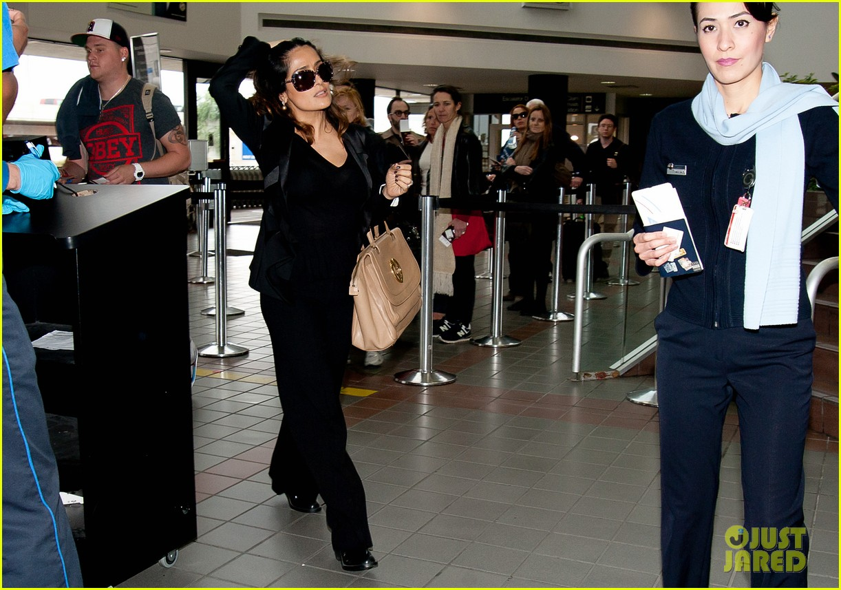 salma hayek lax after oscars 04