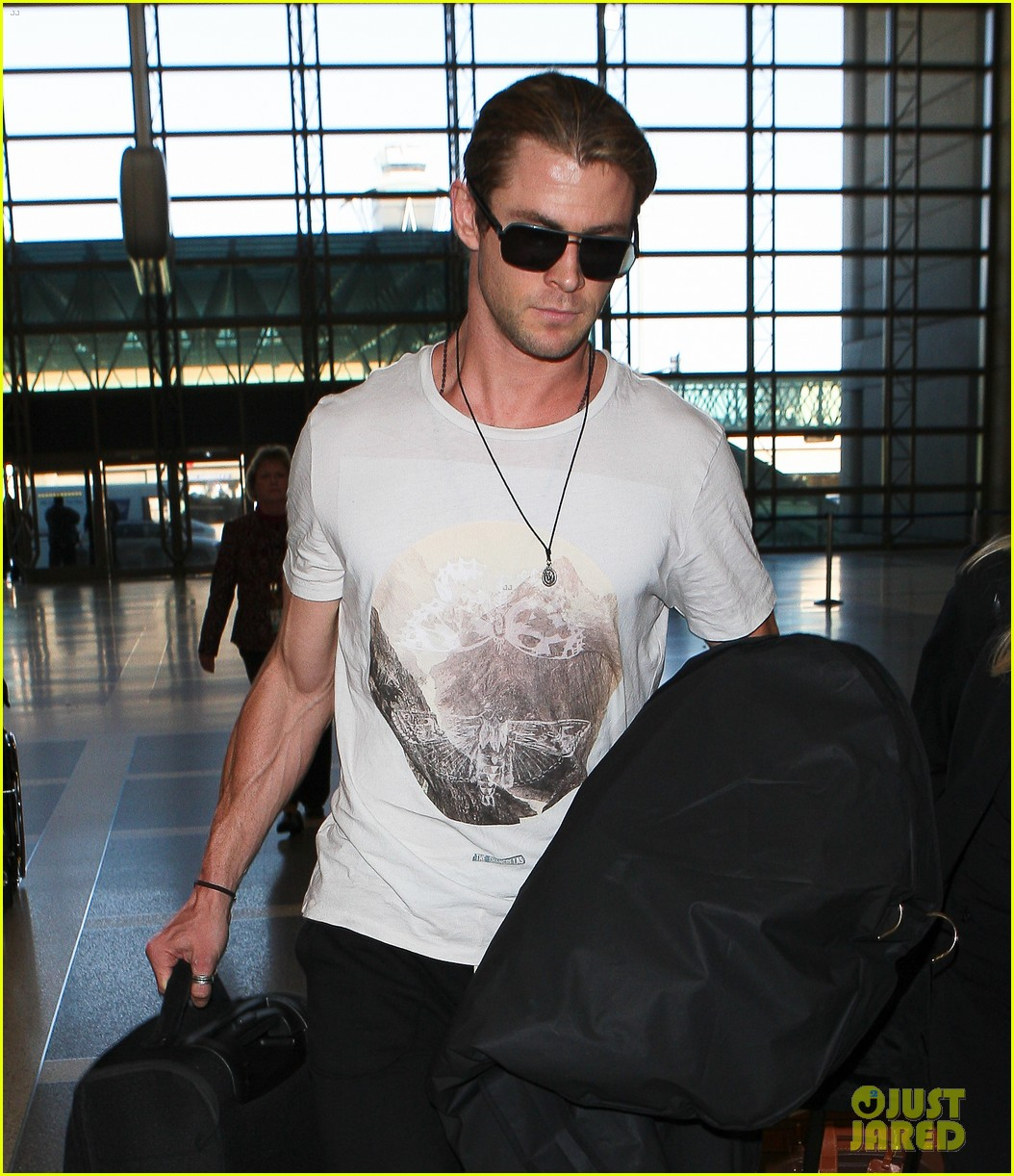 chris hemsworth elsa pataky los angeles to london 12