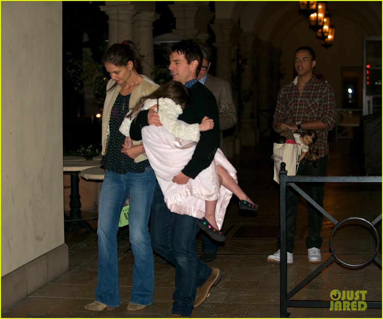 katie holmes tom cruise dinner with suri conner 01