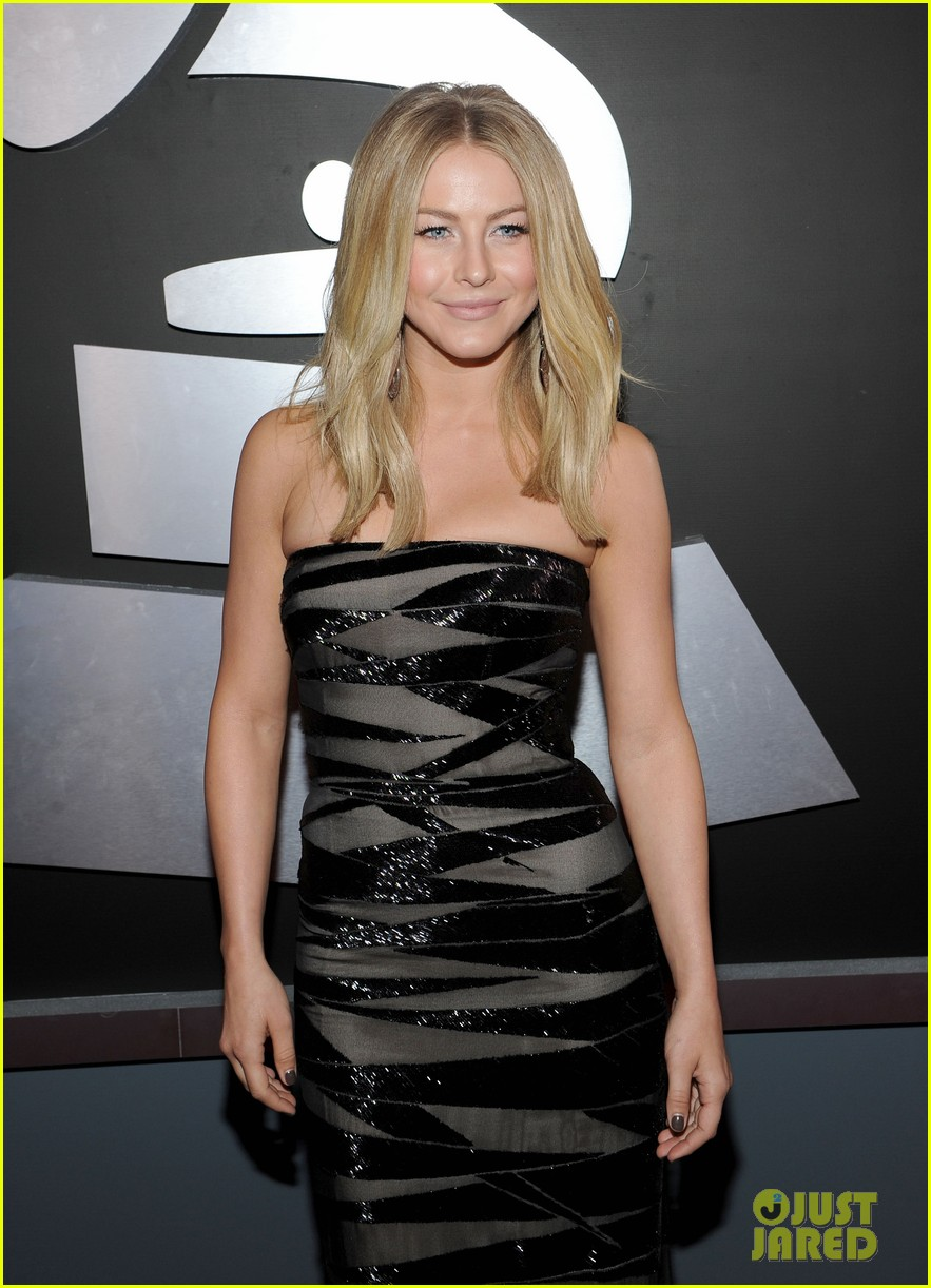 julianne hough 2012 grammy awards 04