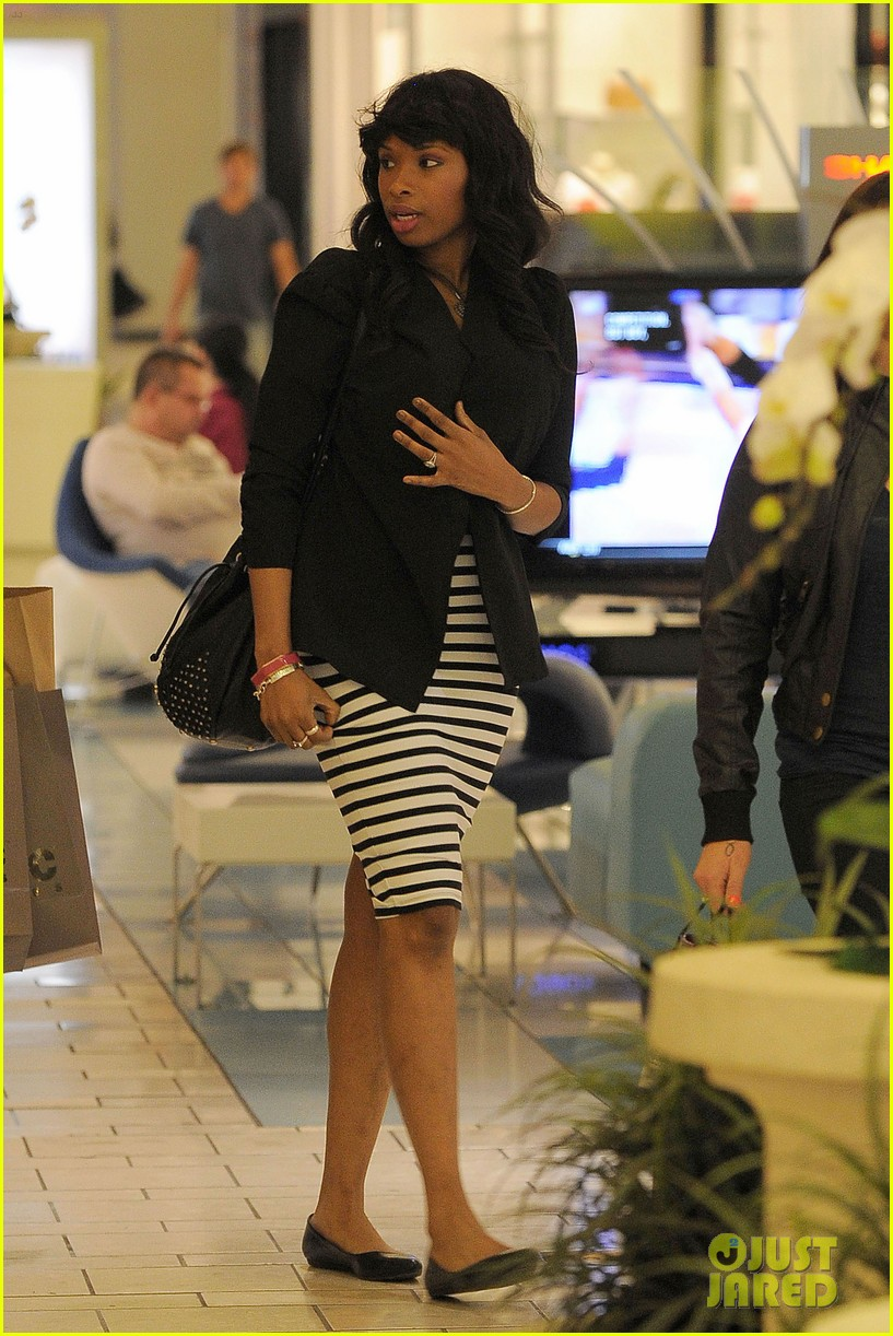 jennifer hudson shopping beverly center 082630043