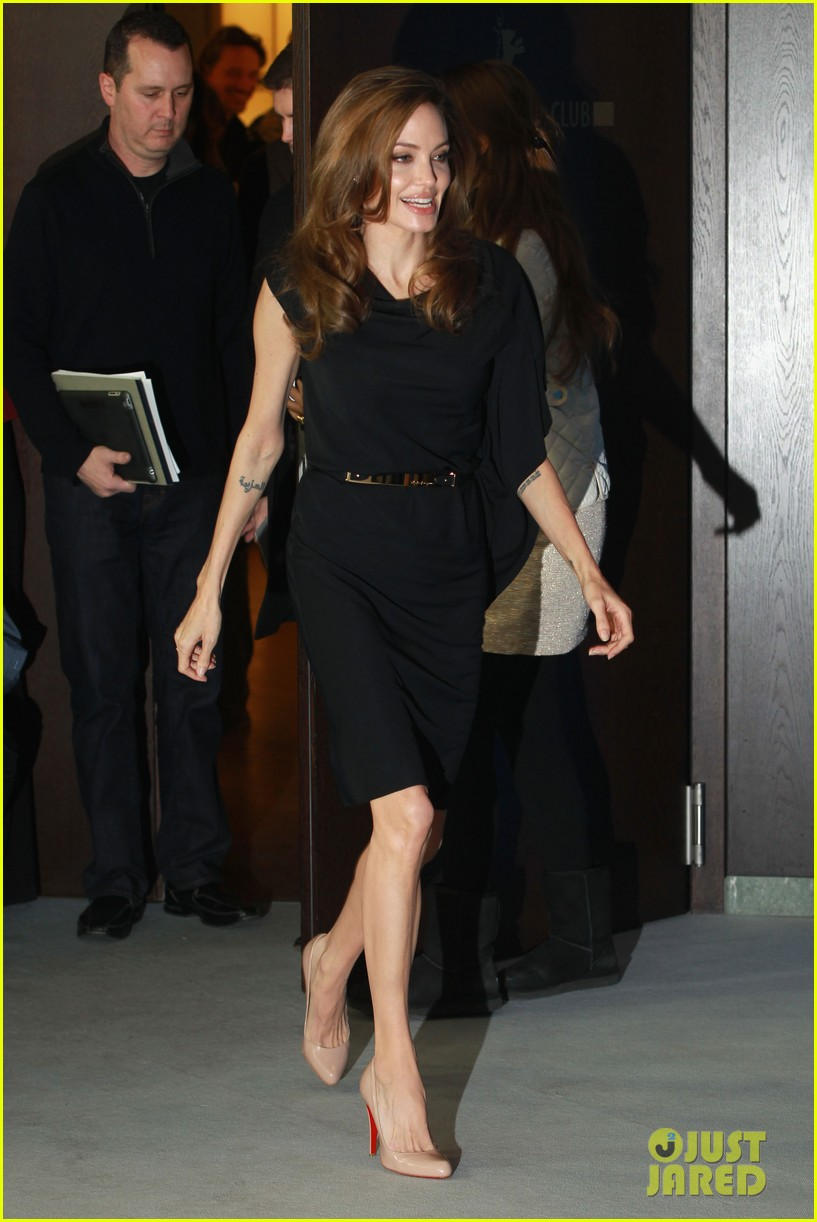 angelina jolie berlin photo call 14