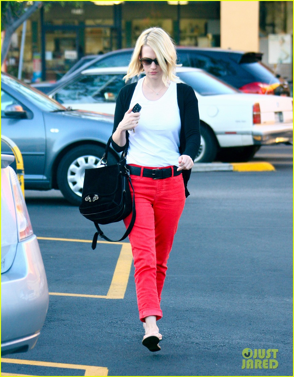 january jones red pants 06
