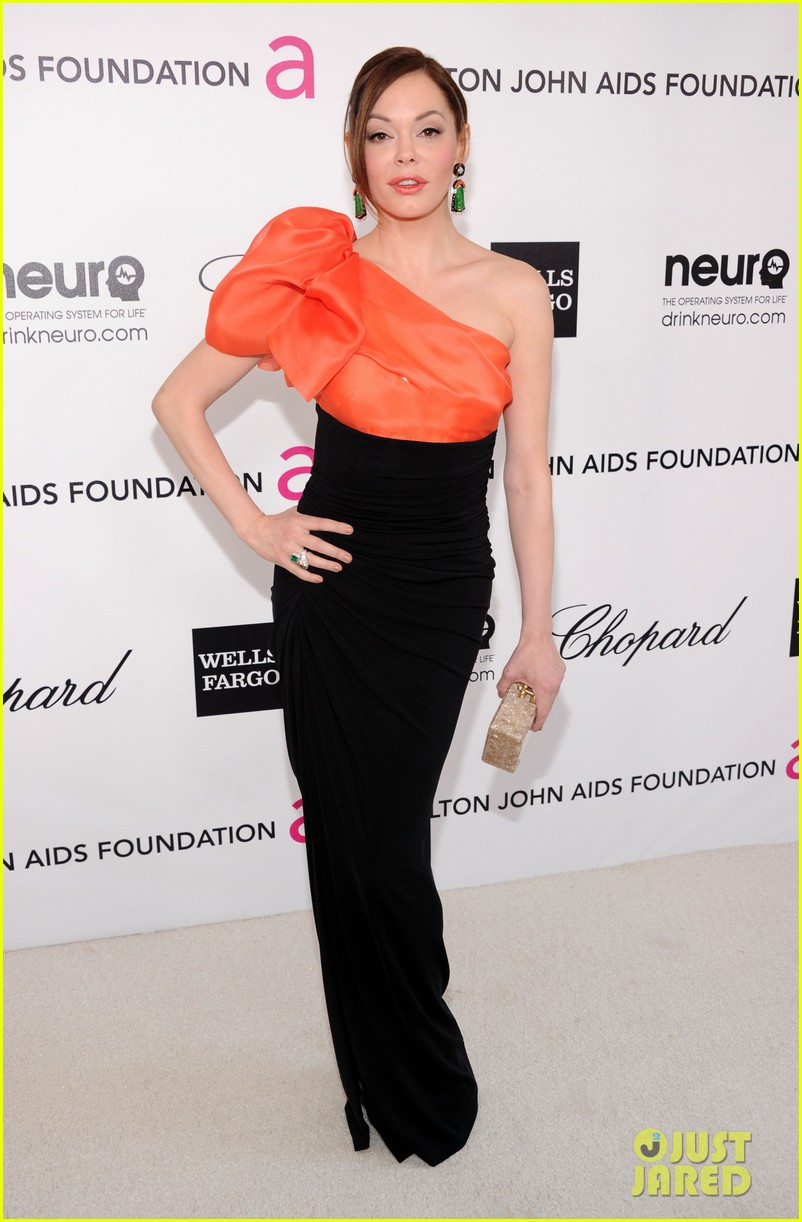 heidi klum rose mcgowan elton john oscar viewing party02