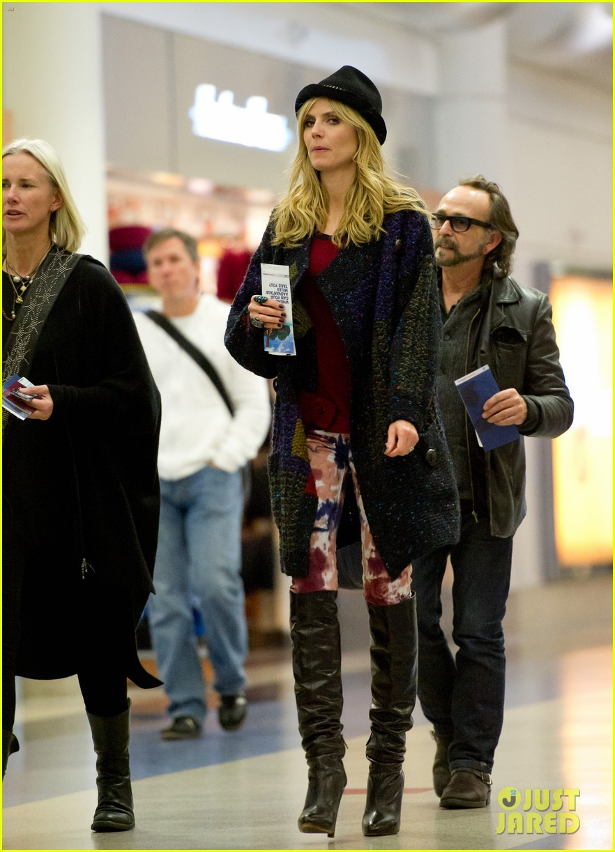 Full Sized Photo Of Heidi Klum Wedding Ring Still On At Lax 06