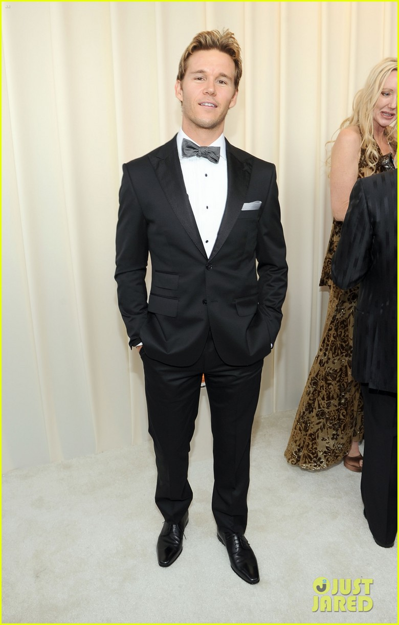 ryan kwanten elton john oscar party 02