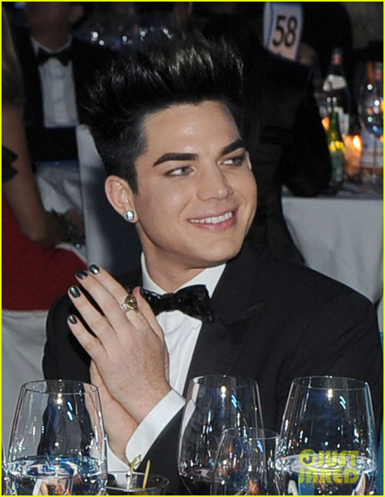 adam lambert oscars 2012 viewing party 022633681