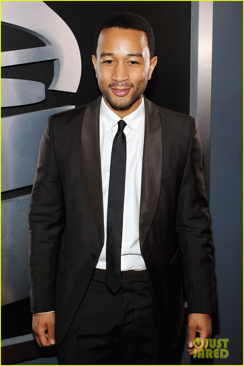 john legend chrissy teigen grammy awards 01