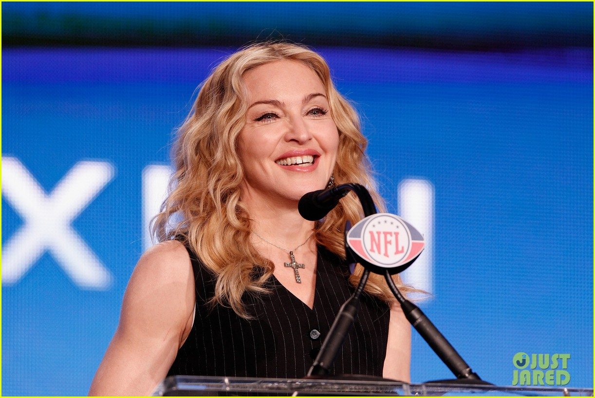 madonna super bowl press conference 02