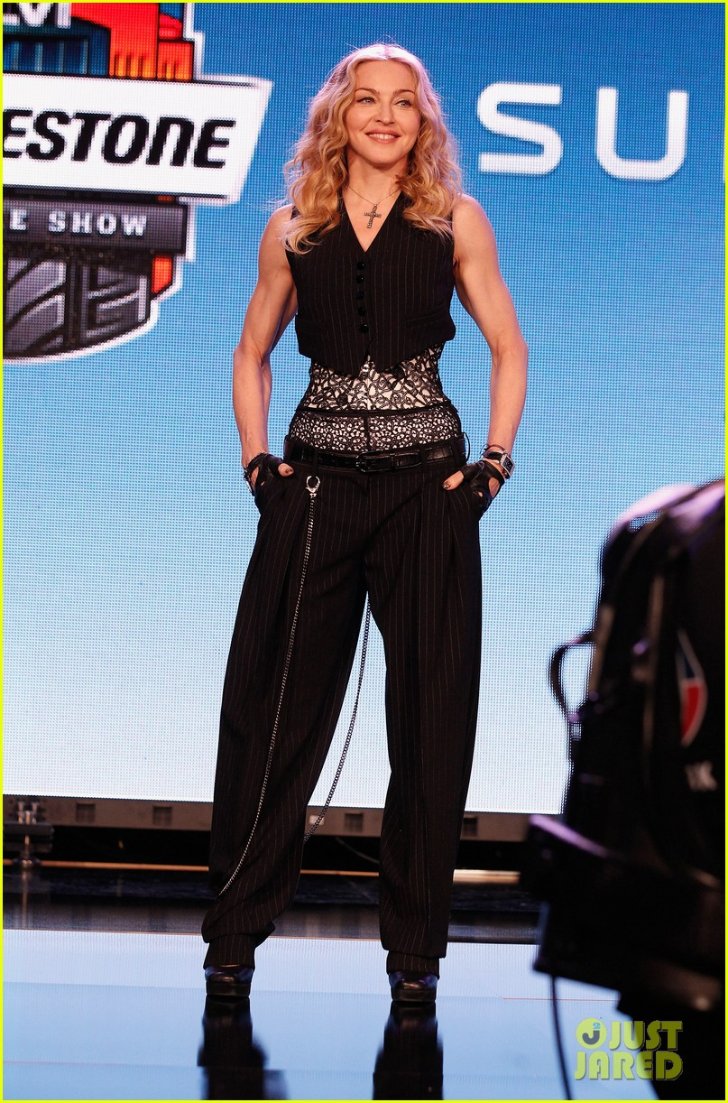 madonna super bowl press conference 03