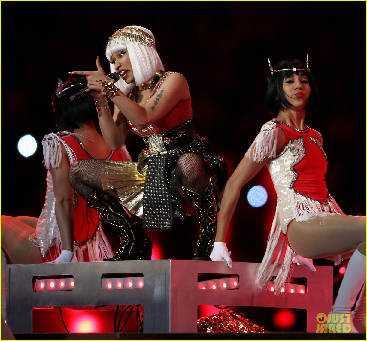 nicki minaj mia super bowl performance 10