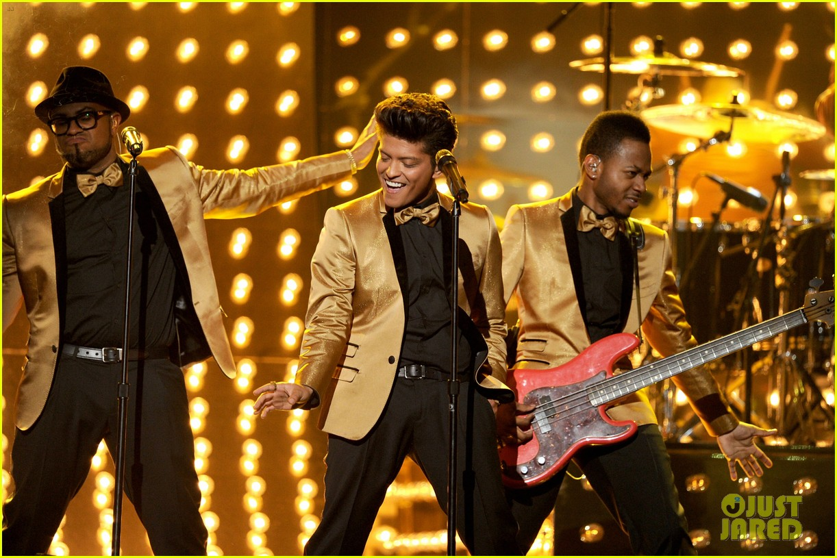 bruno mars grammys performance 2012 142628334