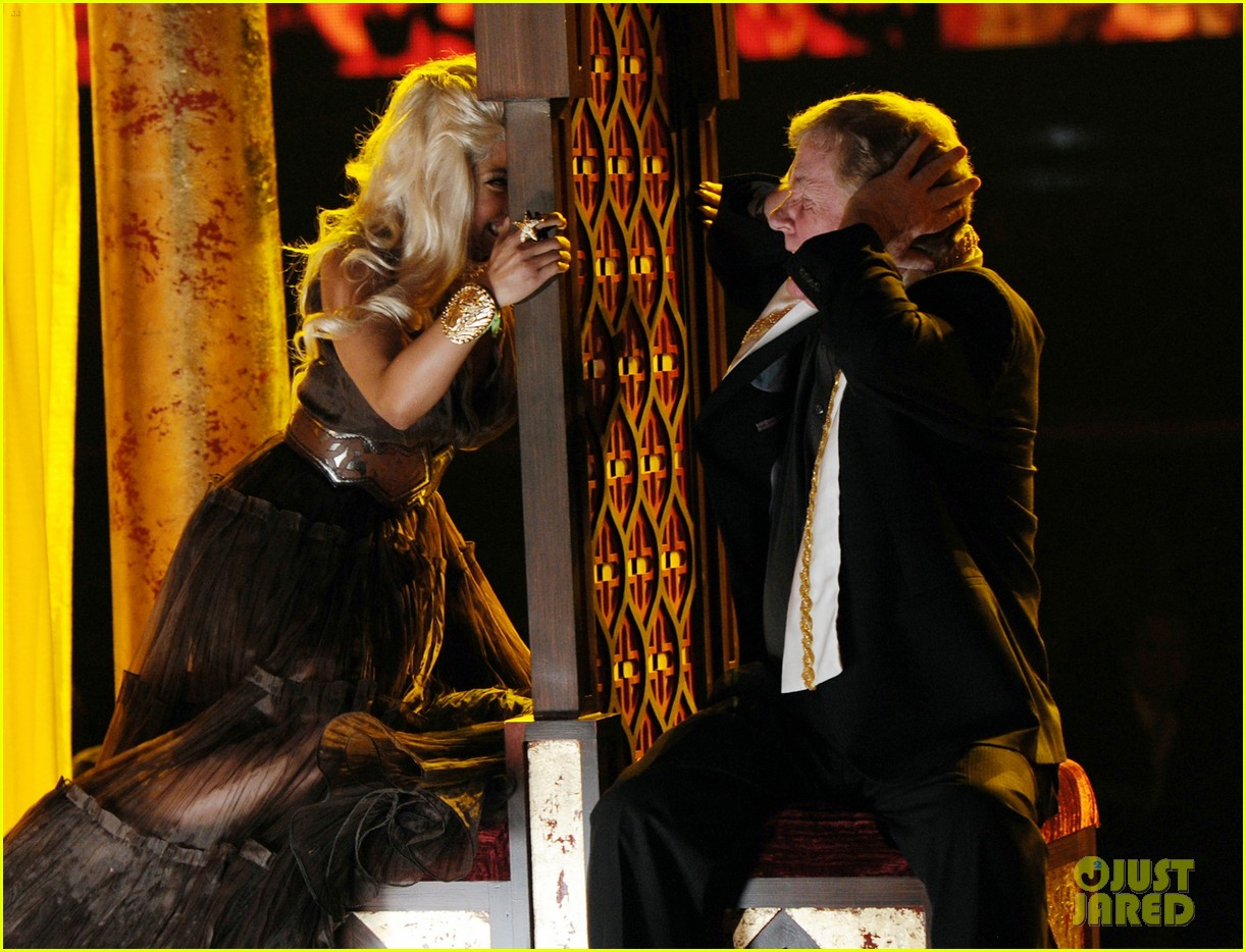 nicki minaj grammys performance 13