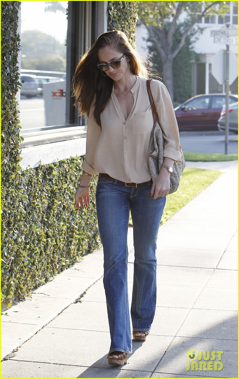 minka kelly byron tracey salon 06