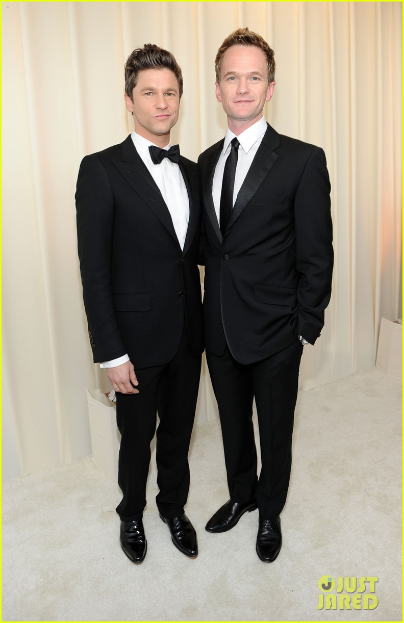 neil patrick harris david burtka elton john oscars party 052633620