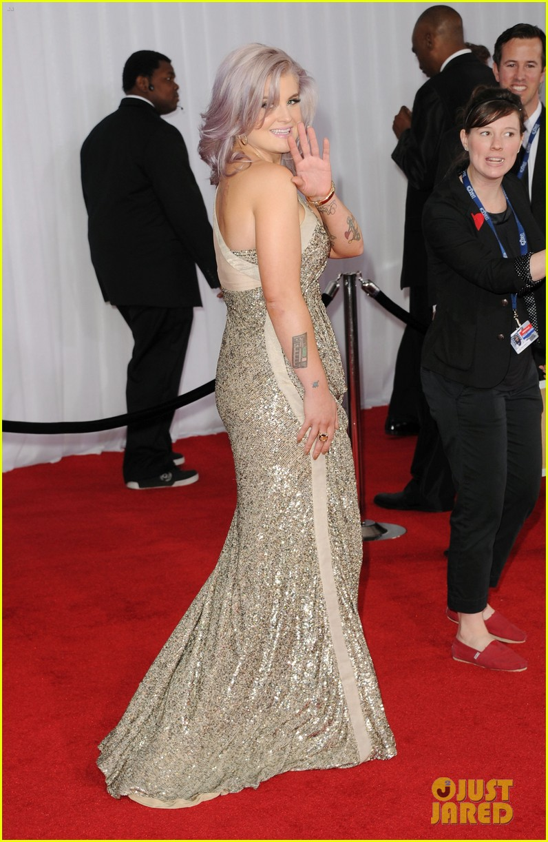 kelly osbourne grammy awards 2012 02