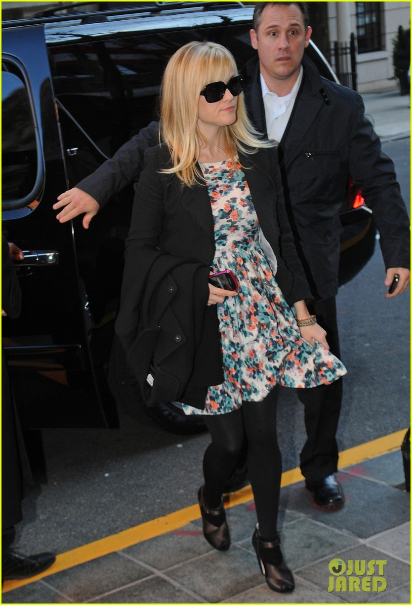 reese witherspoon hotel new york city 02