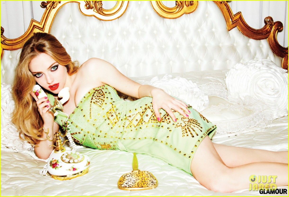 amanda seyfried glamour march 2012 05