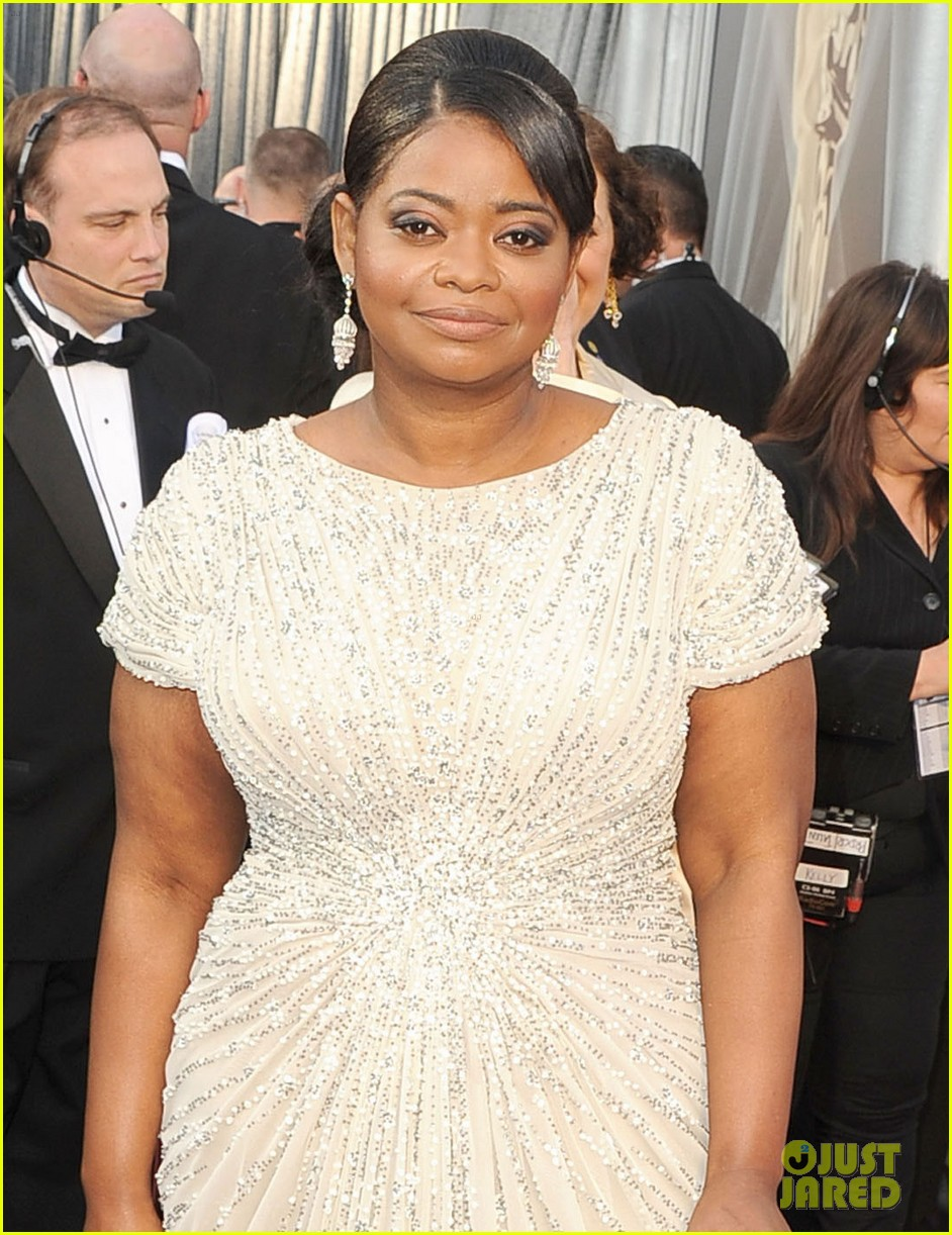 octavia spencer oscars 2012 red carpet 04