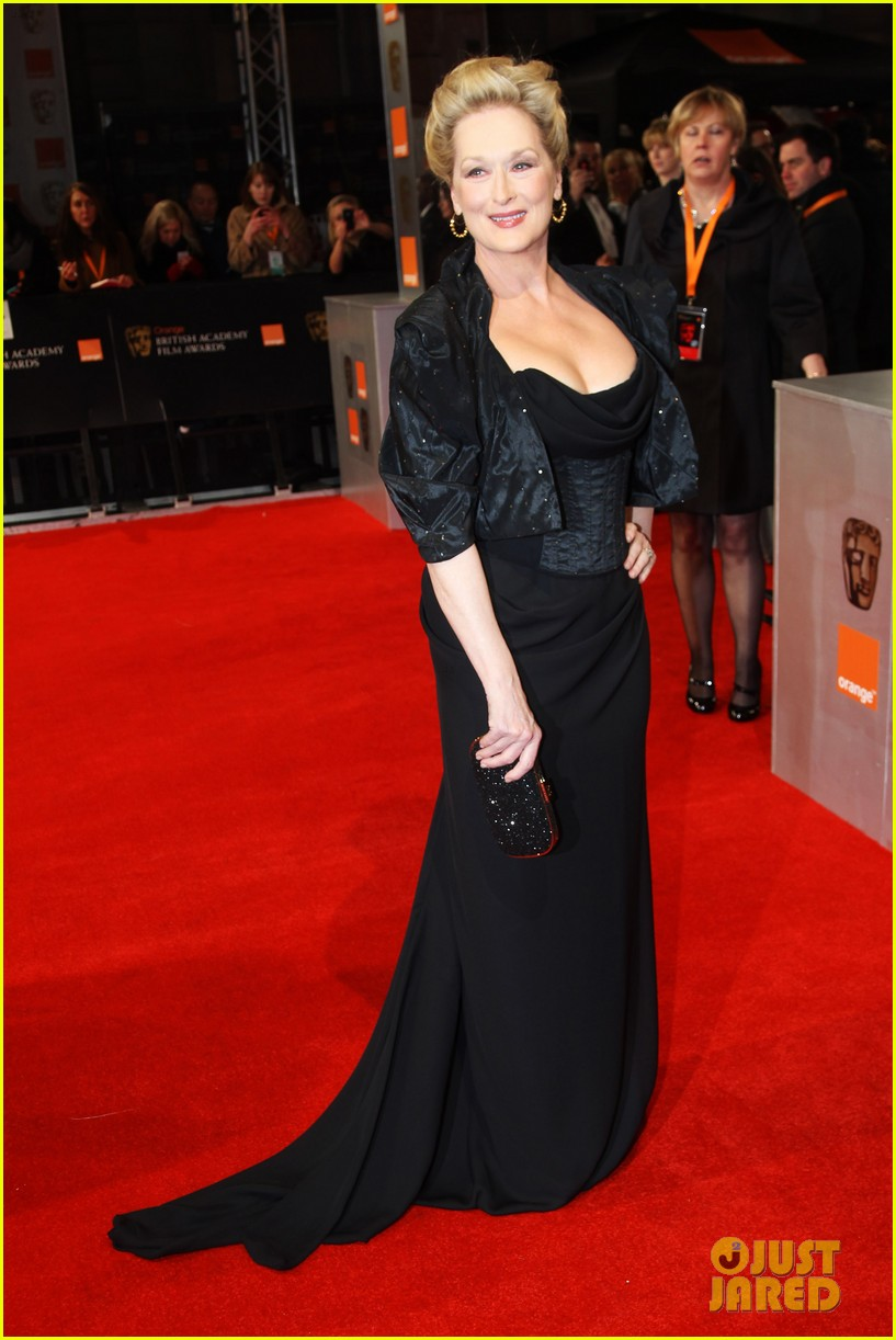 meryl streep 2012 baftas red carpet 02