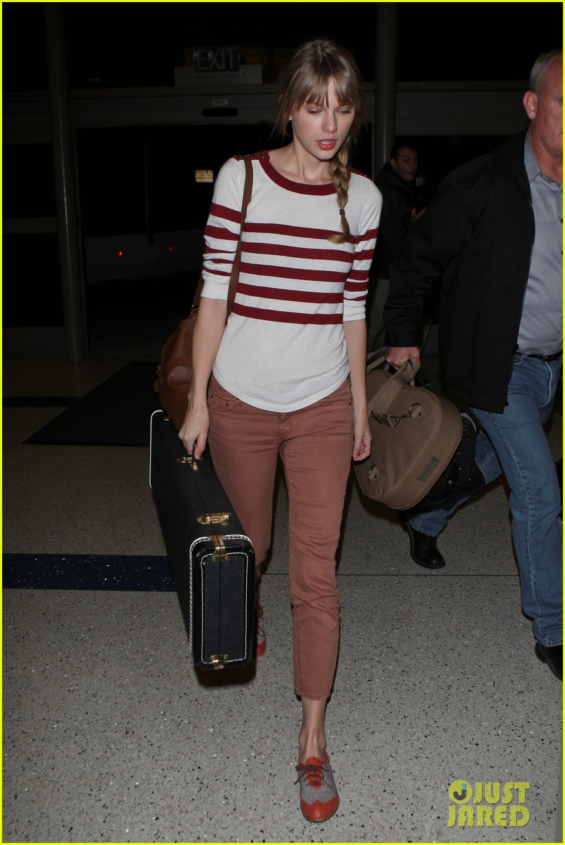 taylor swift leaving lax 052634309