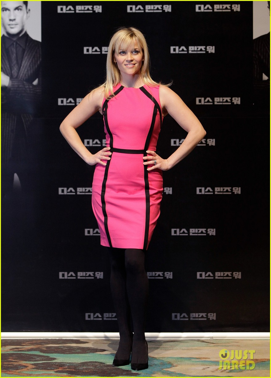reese witherspoon war seoul press conference 04
