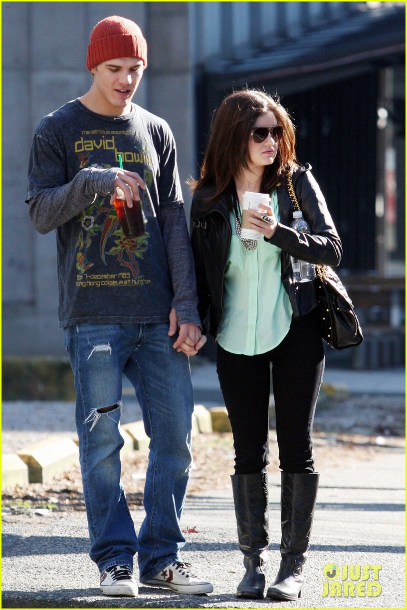 chris zylka lucy hale holding hands 06