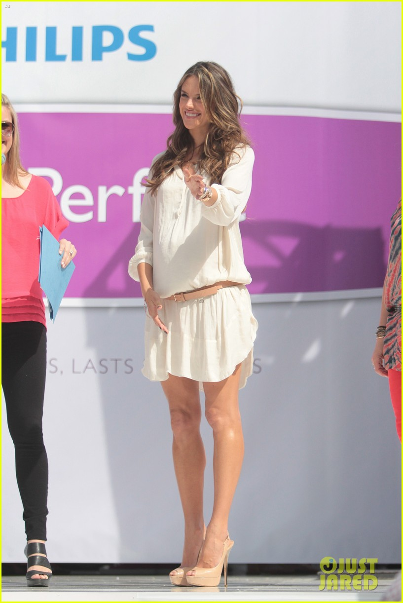 alessandra ambrosio phillips satin fashion event 09