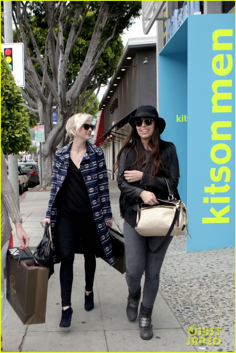 ashlee simpson shopping 032634785