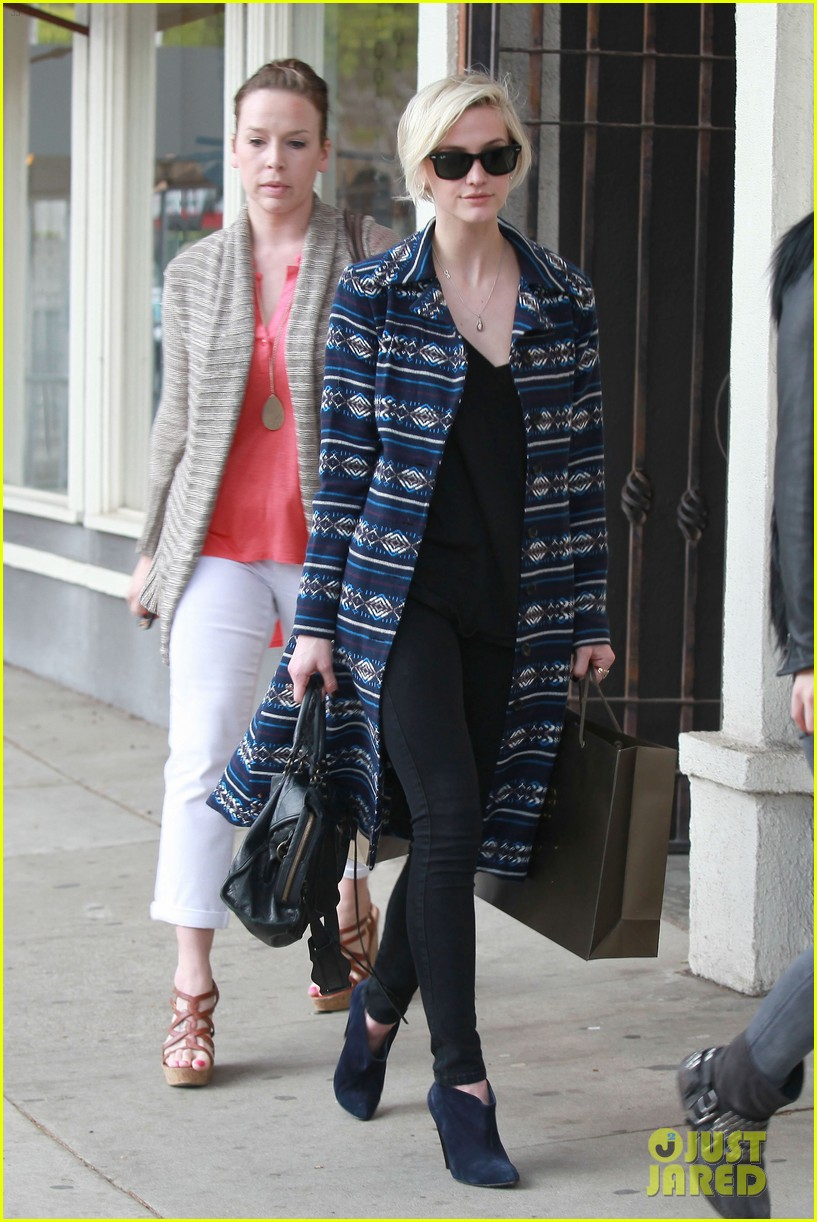 ashlee simpson shopping 07