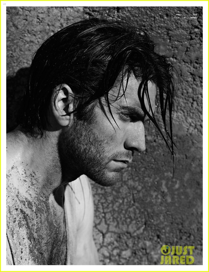 wes bentley shirtless for flaunt feature 01