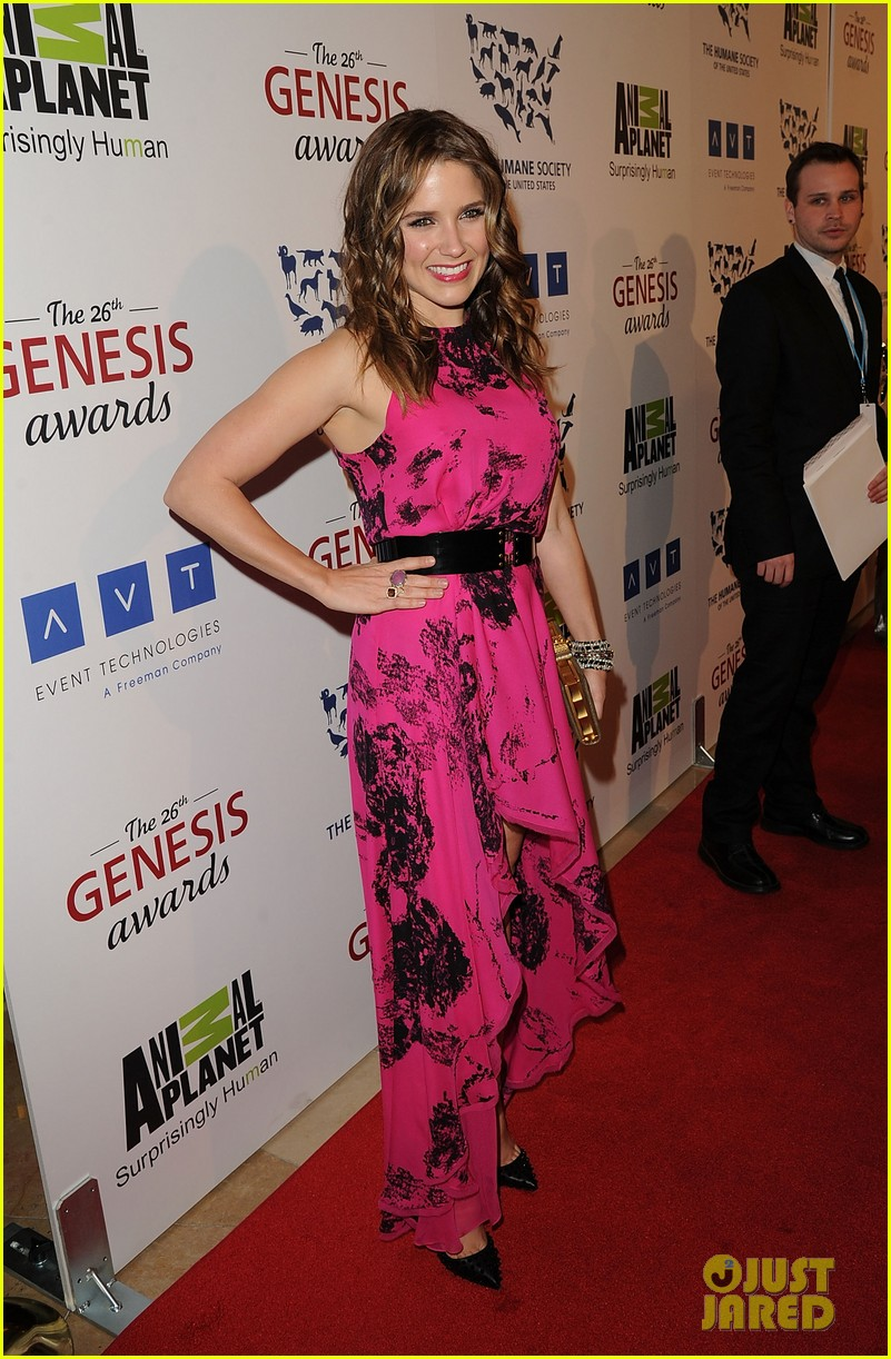 sophia bush kesha genesis awards 102642477