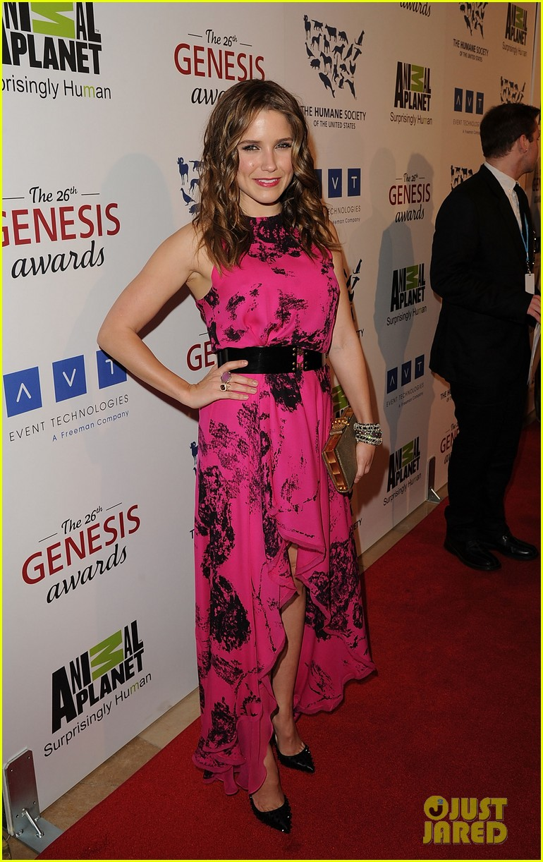 sophia bush kesha genesis awards 12