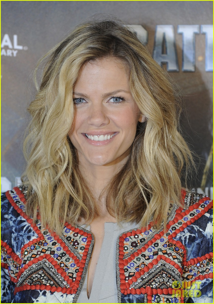 brooklyn decker battleship hamburg photo call 07