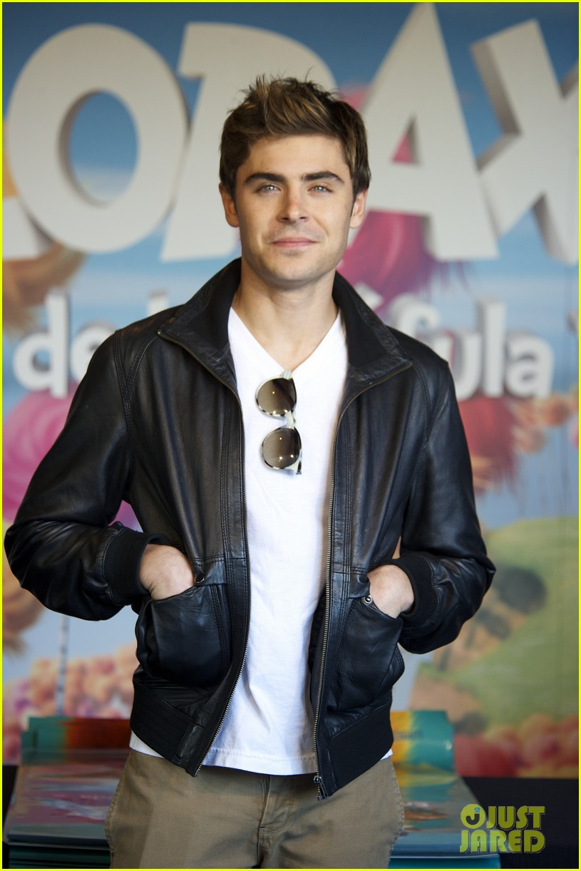 zac efron madrid meeting 10
